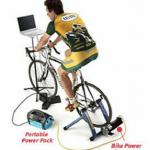 uomo che pedala per alimentare attrezzature ufficio - risparmiare stampante - sistema di stampa