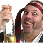 uomo ubriaco con bottiglia in mano - acquisto stampante - sistema di stampa